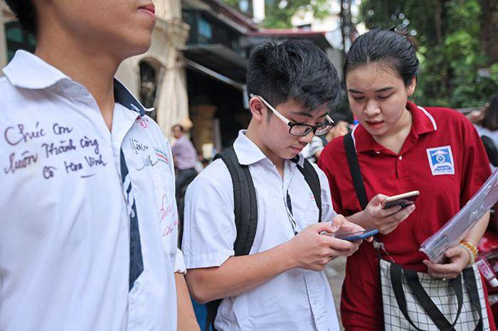 Tra cứu điểm thi lớp 10 năm 2021 trên VietNamNet