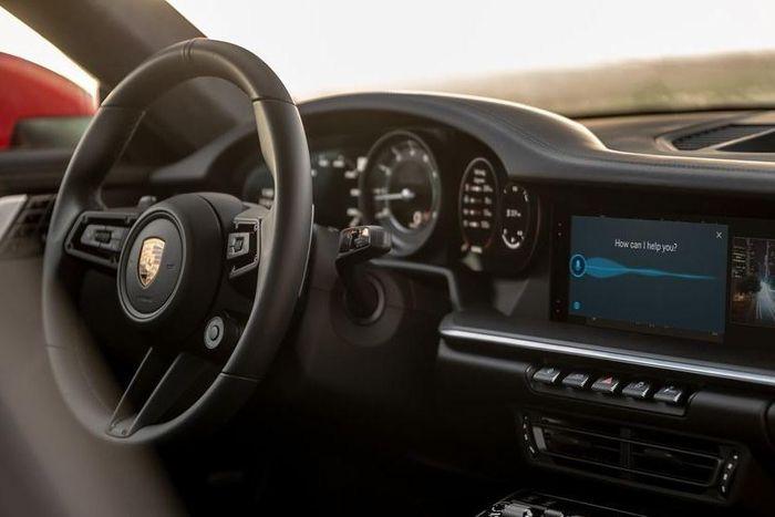Xe Porsche có thể cập nhật trực tuyến, lần đầu hỗ trợ Android Auto