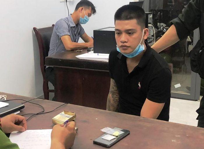 Đà Nẵng: Nam thanh niên tàng trữ ma túy tính hối lộ cảnh sát 911