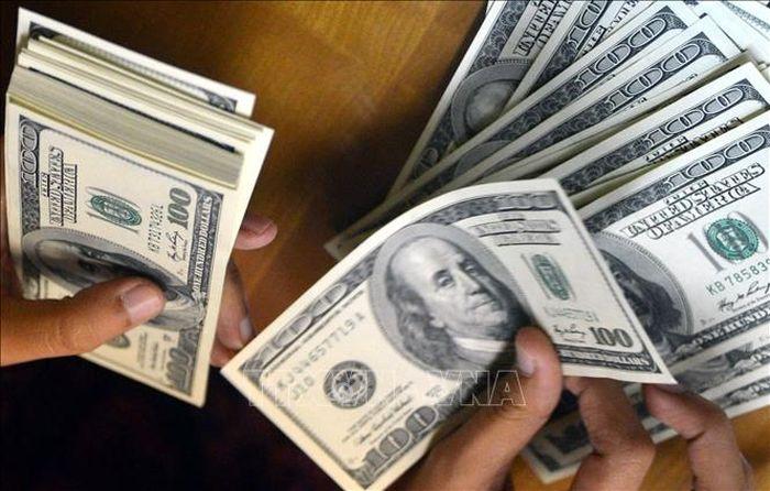 Tỷ giá hôm nay 21/6: Tỷ giá trung tâm và thị trường tự do vọt tăng mạnh