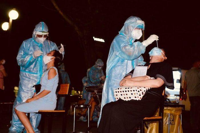 TP Hồ Chí Minh họp báo thông tin về chiến dịch tiêm 800.000 liều vaccine ngừa Covid-19