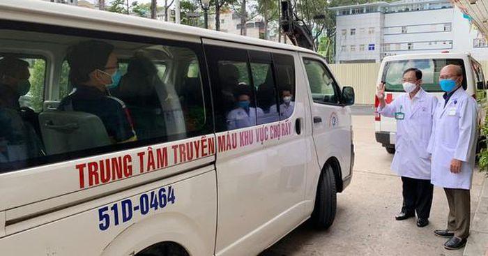 Đội phản ứng nhanh điều trị Covid-19 Bệnh viện Chợ Rẫy lại lên đường
