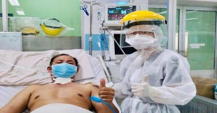 Bệnh nhân COVID-19 từng đông đặc nửa phổi đã hồi phục ngoạn mục