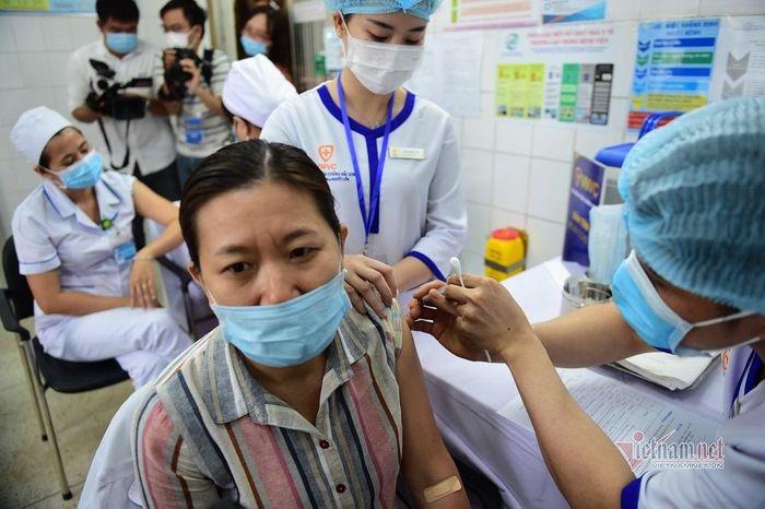TP.HCM ưu tiên tiêm vắc xin ngừa Covid-19 cho công nhân các khu công nghiệp