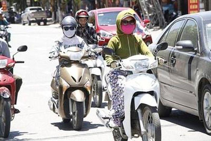 Nắng nóng đặc biệt gay gắt, Hà Nội có nơi 41 độ C