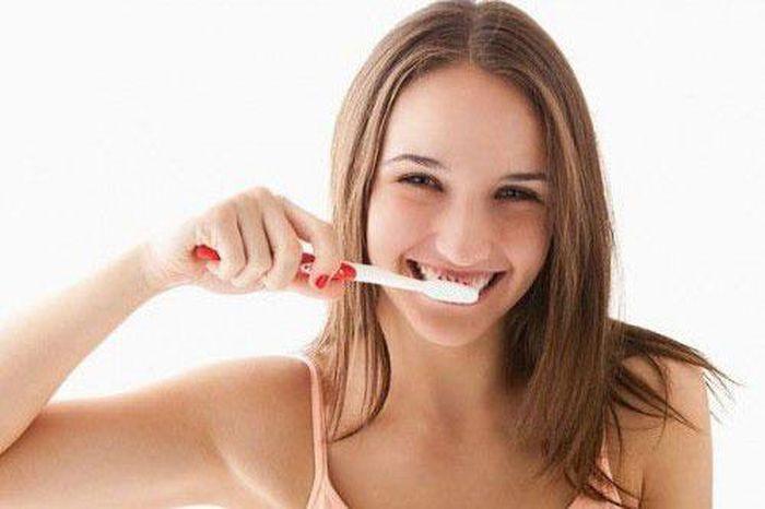 Lý do không nên đánh răng sau khi ăn?