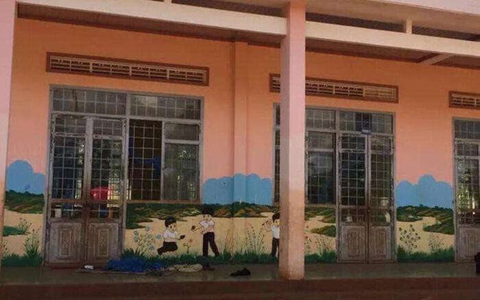 Vụ thi thể nữ sinh 17 tuổi phân hủy trong lớp học: 'Bố nạn nhân từng lên tìm nhưng không đến phòng này'