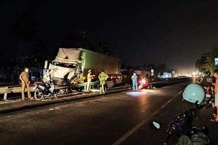 Truy tìm ô tô tải tông tài xế xe container tử vong rồi bỏ trốn