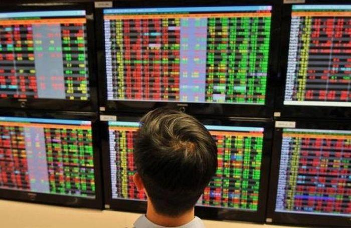 Cổ phiếu lớn phân hóa mạnh, VN-Index giảm hơn 5 điểm