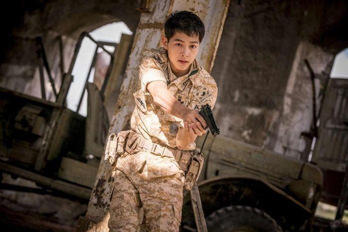 Song Joong Ki gây bão mạng khi tiết lộ bí mật cá nhân