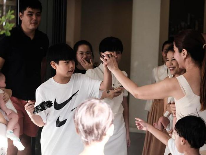 Hồ Ngọc Hà tổ chức sinh nhật cho Subeo, tự tay chuẩn bị đồ ăn đến trang hoàng bữa tiệc