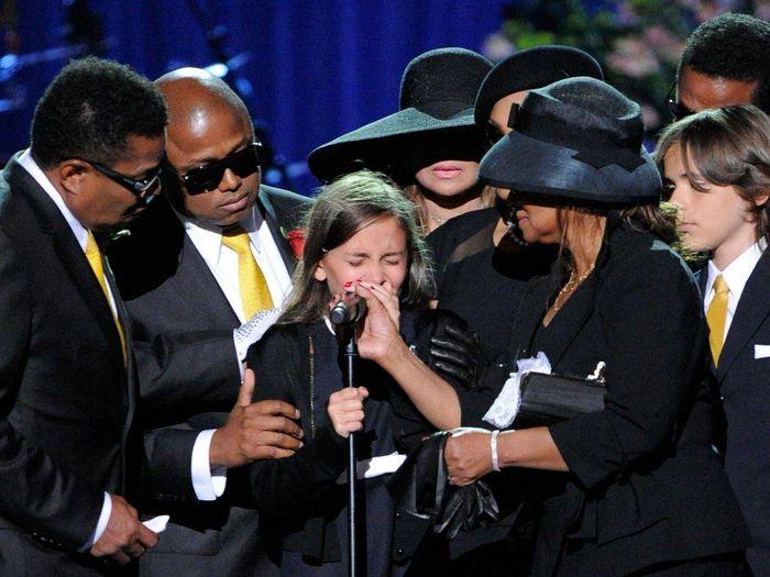Bi kịch của con gái Michael Jackson