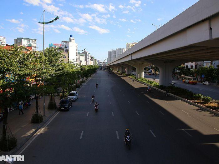 Con đường mát mẻ dài nhất của Hà Nội trong những ngày nắng nóng đỉnh điểm