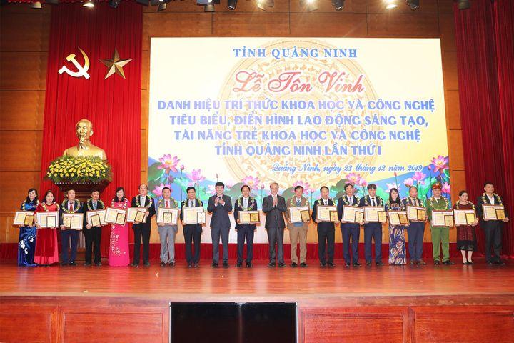 tổ chức Lễ tôn vinh danh hiệu trí thức khoa học và công nghệ tiêu biểu, điển hình lao động sáng tạo, tài năng trẻ về khoa học công nghệ tỉnh Quảng Ninh lần thứ I.